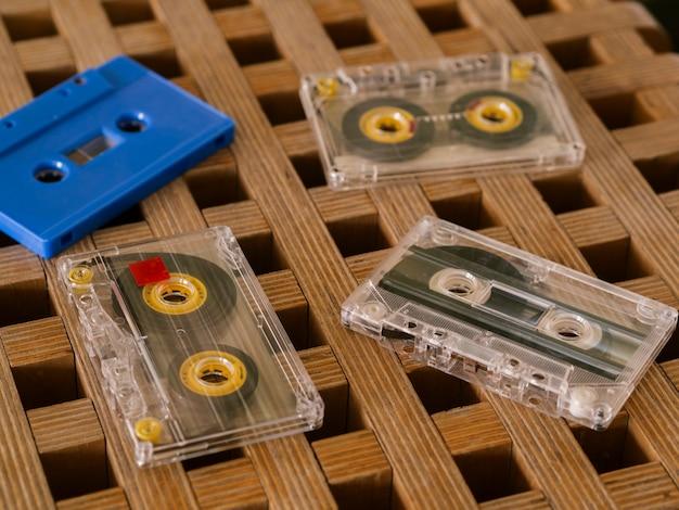 Cassettebanden op het schot van het lijstclose-up
