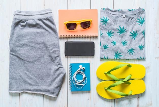 Casual outfits voor heren van reiziger, zomervakantie