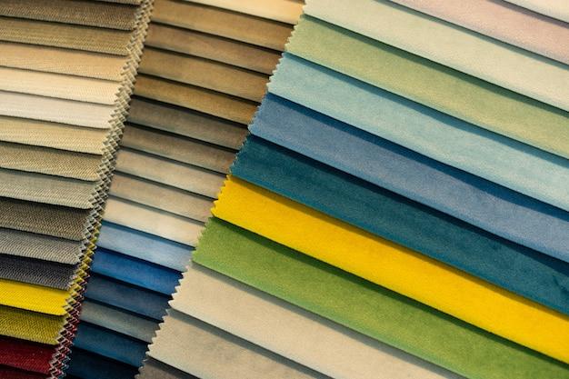 Catalogus van veelkleurige stofstalen