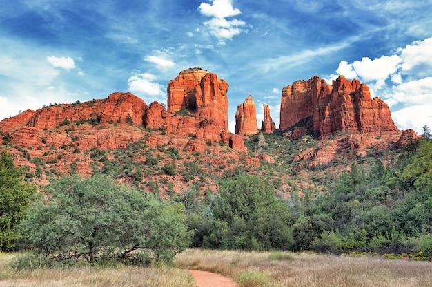 Cathedral rock, sedona is een van de meest populaire plekken in arizona