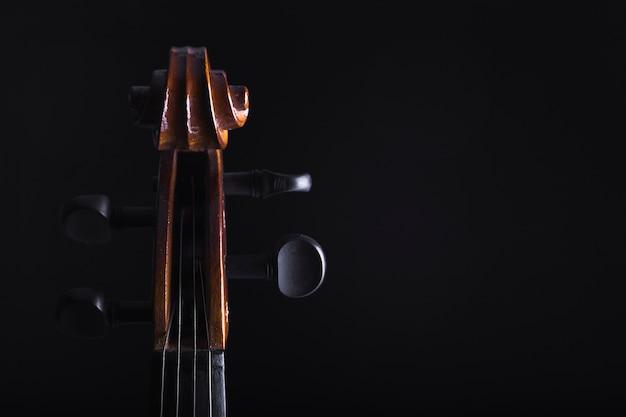 Cello peg box bijsnijden