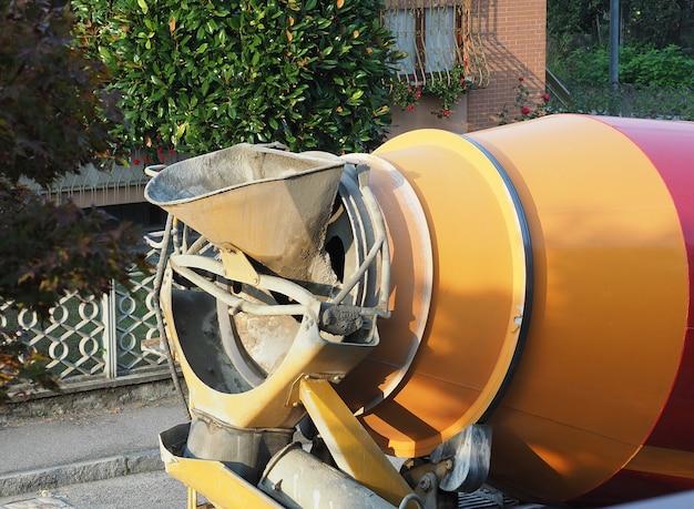 Cement mixer vrachtwagen