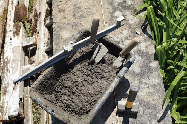 Cementmortiertroffel