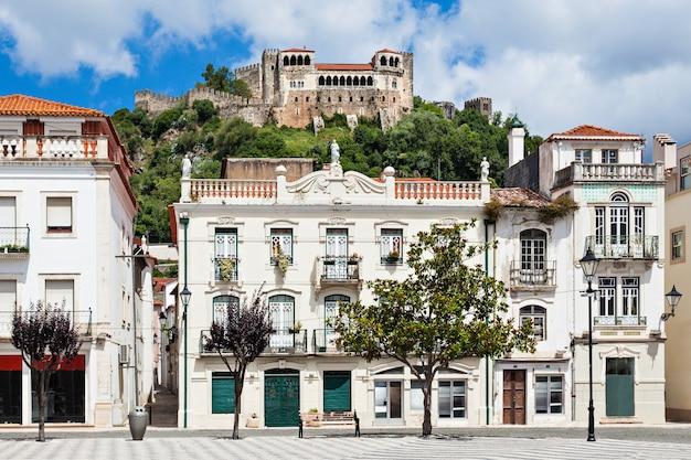 Centraal plein in leiria, district leiria, portugal