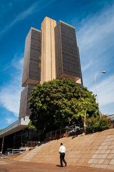 Centrale bank van brazilië in brasilia, df, brazilië op 14 augustus 2008. gevel van het hoofdkantoor.