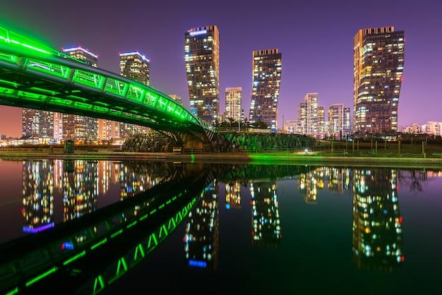 Centralpark bij nacht incheon, zuid-korea.