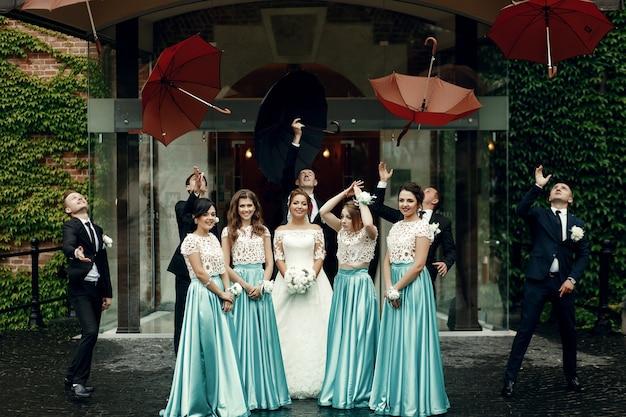 Ceremonie knuffels verloofde familie rijk
