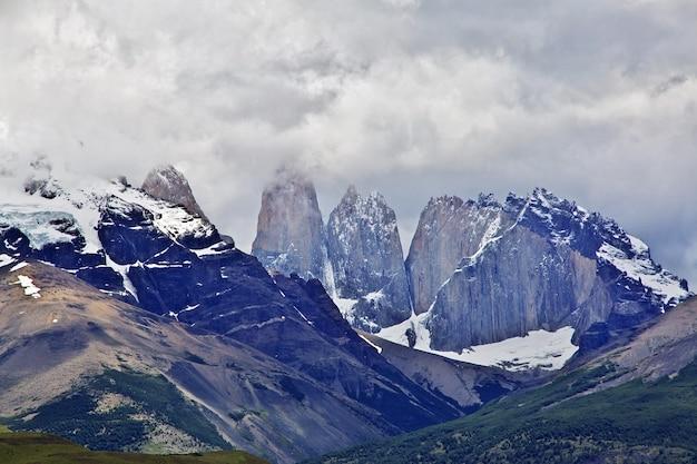 Cerro paine grande in nationaal park torres del paine in patagonië van chili