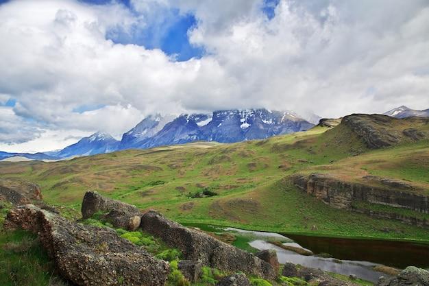 Cerro paine grande in torres del paine national park in patagonië van chili