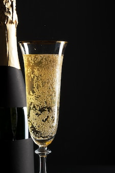 Champagne wijnglas en fles