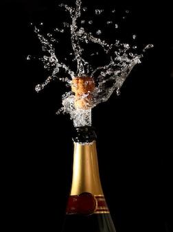 Champagnefles met kogelvrij schot