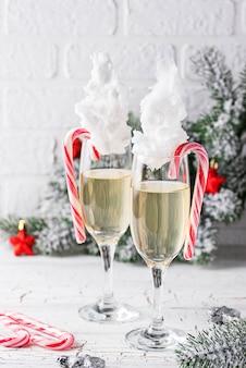 Champagneglazen met suikerspin