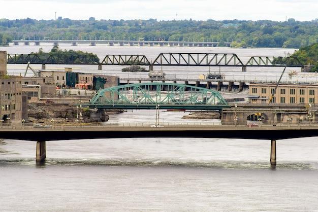 Chaudiere brug over de rivier de ottawa