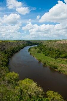 Chavon-rivier in la romana, dominicaanse republiek.