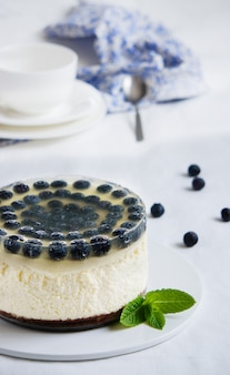 Cheesecake met bosbessen en citroengelei