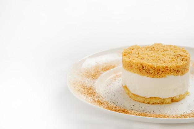 Cheesecake met kruimelige crackerkorst