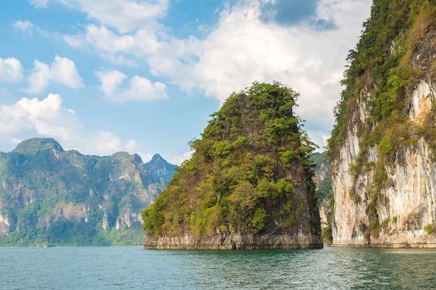Cheow lan-meer, nationaal park khao sok in thailand