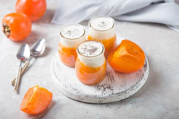 Chia pudding met persimmon