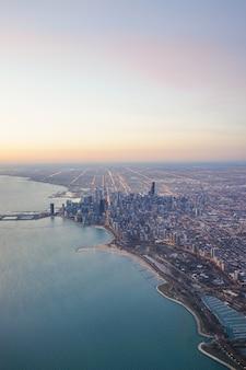Chicago skyline zonsopgang met lake michigan