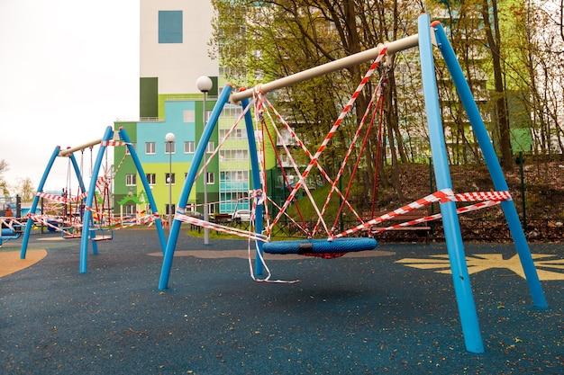 Childrens playground is gesloten vanwege pandemie, epidemie