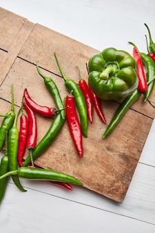 Chilipeper en paprika voor het koken van saus of ingrediënt