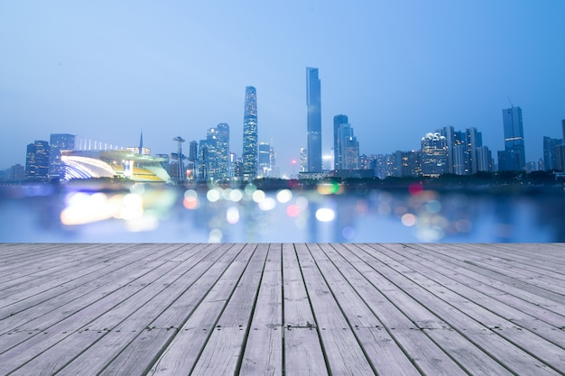 China guangzhou pearl river, rivieroever wolkenkrabber.