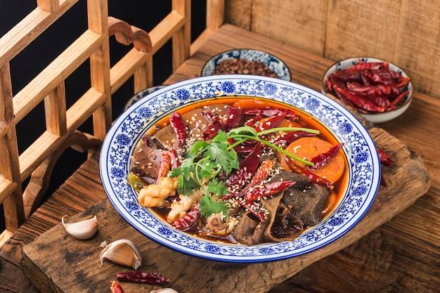 Chinees eten: eendenbloed in chilisaus