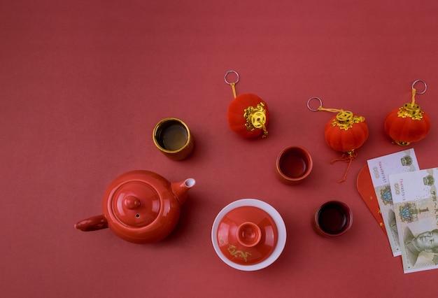 Chinees nieuwjaar decoratie festival decoraties van accessoires in traditionele container mandarijnen