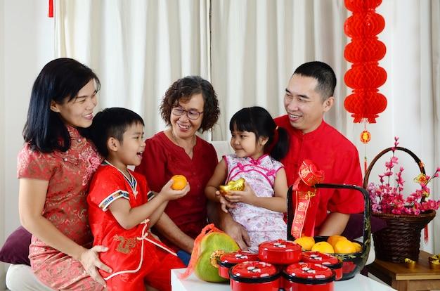 Chinees nieuwjaar in familie