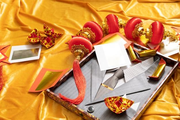 Chinees rouwceremonie ornament voor overledenen met gouden zilverpapier Premium Foto