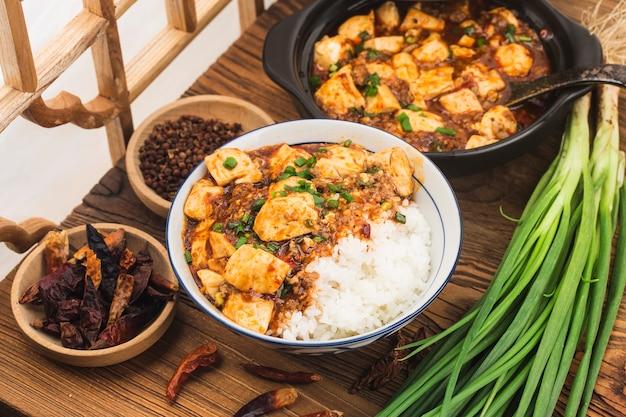 Chinese keuken: tofu en pittige rijstgehakt