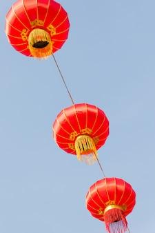Chinese lantaarn in de hemel, nieuwe jaarviering