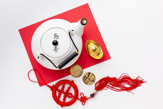 Chinese nieuwe jaarhanger en theepot