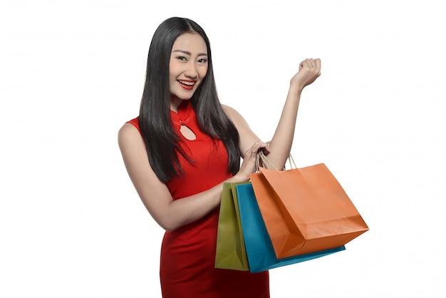 Chinese vrouw met boodschappentas