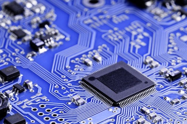 Chip op een elektronisch bord