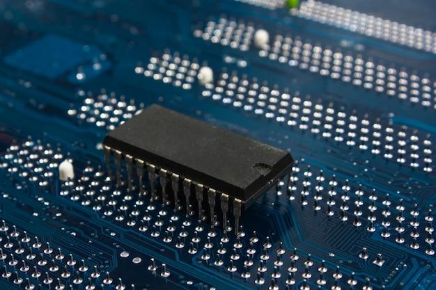 Chip op het elektronische bord