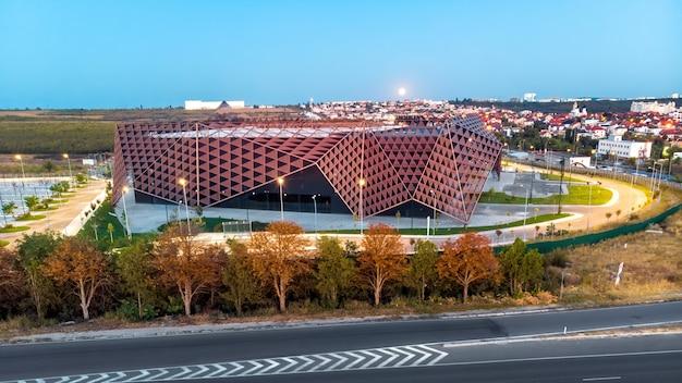 Chisinau arena tijdens schemering in moldavië