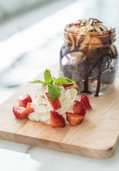 Chocolade brownies met vanille-ijs