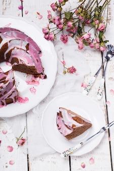 Chocolade cupcake met suikerglazuur.