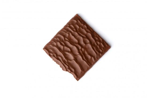 Chocolade die op wit wordt geïsoleerd