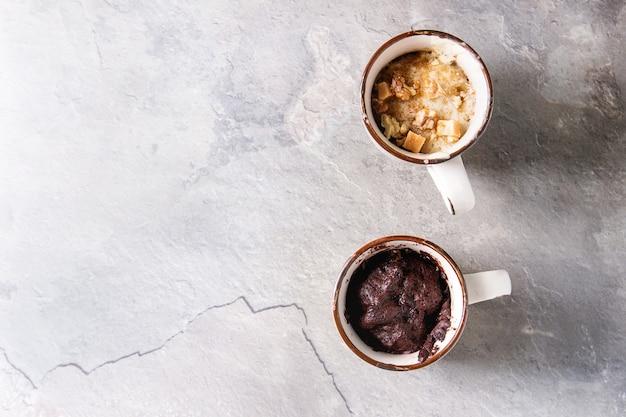 Chocolade en vanille mok cakes