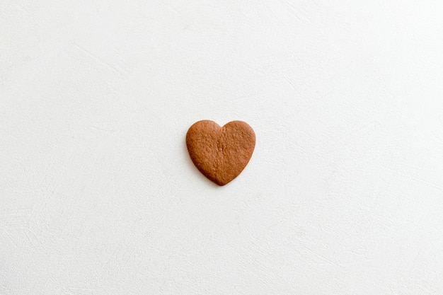 Chocolade harten. op witte achtergrond harten. liefde voor de torens