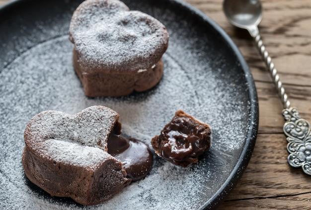 Chocolade lavacakes in de vorm van een hart