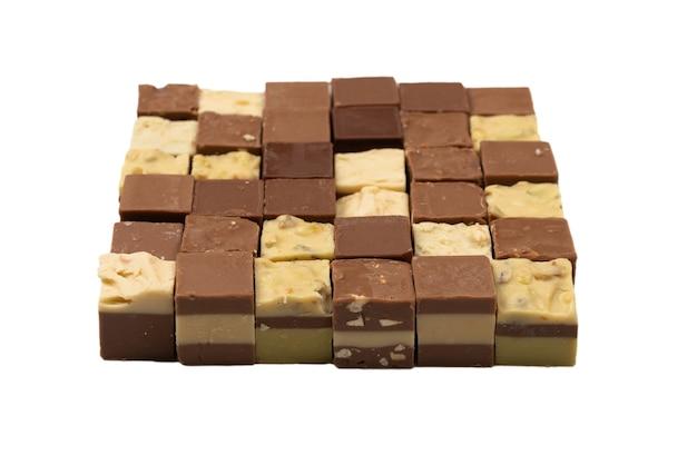 Chocolade snoep geïsoleerd op een witte achtergrond. bovenaanzicht.