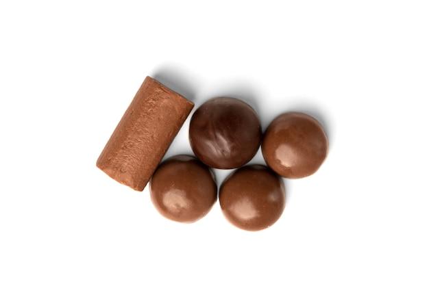 Chocolade snoepje geïsoleerd op wit