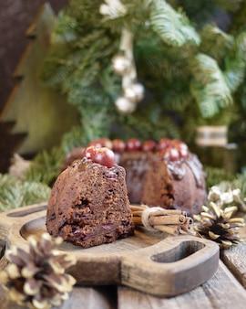 Chocoladecake met kers en kaneel