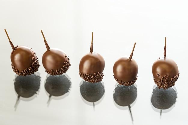 Chocoladekersen met likeur en armagnac