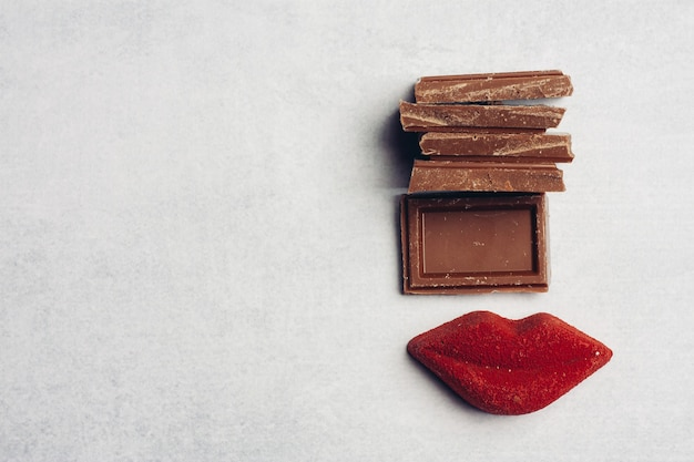 Chocoladereep rode lippen marmelade snoep dessert bovenaanzicht