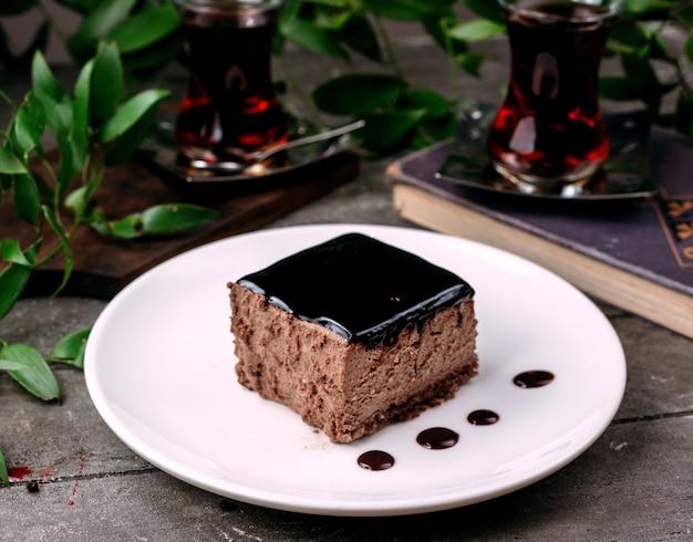 Chocoladesoufflé op de tafel