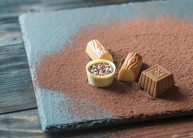 Chocoladesuikergoed met cacao
